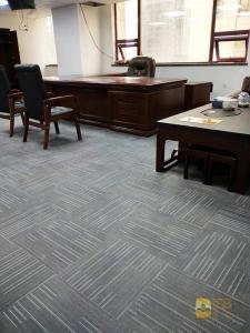 华安保险办公室 LVT片材地毯纹 (2)